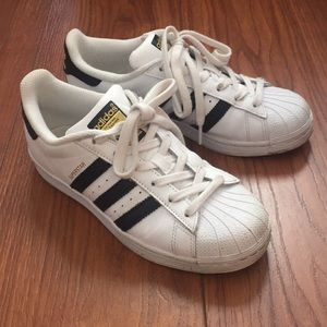 Adidas superstar s 6 (fits 7) very good condition